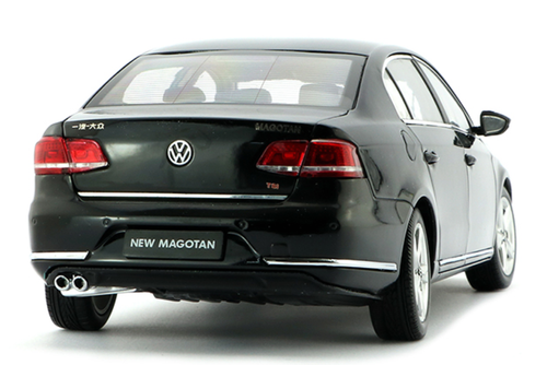 1/18 Dealer Edition 2011 Volkswagen VW Magotan / Passat (Black) Diecast Car Model