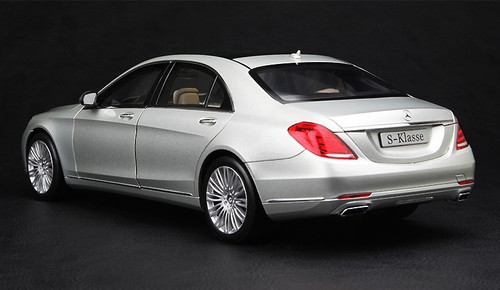 1/18 MERCEDES-BENZ S-CLASS S-KLASSE W222 (SILVER) CAR MODEL!