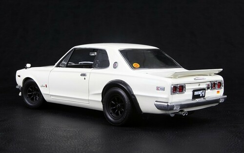 1/18 KYOSHO NISSAN SKYLINE 2000 GT-R GTR (KPGC10) w/ F SPOILER RS WATANABE WHITE