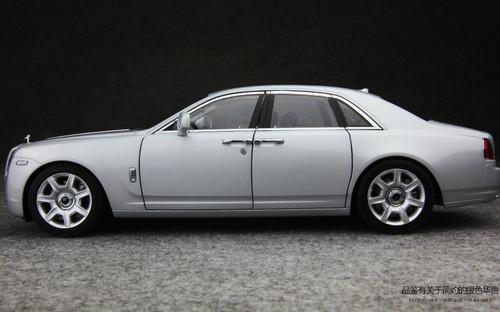 1/18 KYOSHO ROLLS-ROYCE GHOST (Silver w/ Black Interior) Diecast Car Model