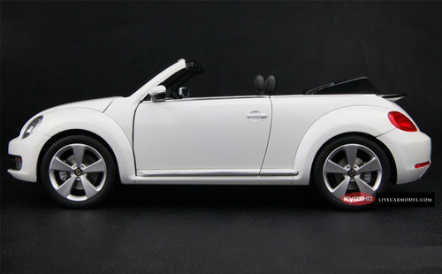 KYOSHO 1/18 VOLKSWAGEN VW BEETLE (WHITE) CONVERTIBLE CAR MODEL!