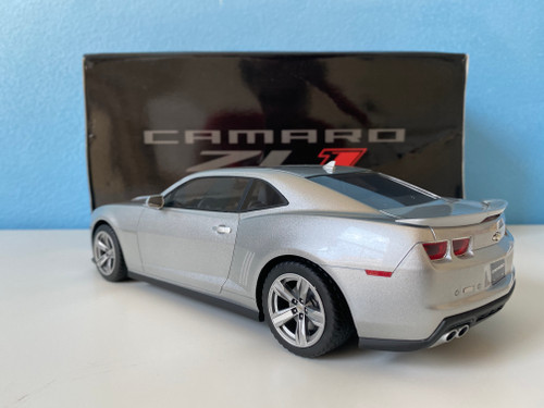 Luxury Collectibles Chevrolet Chevy Camaro ZL1 1//43 Scale Resin Car Model
