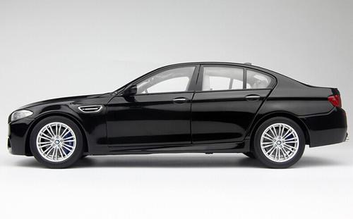 1/18 Paragon BMW M5 (F10) (Cyan/Dark Green Black) Diecast Car Model