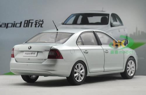 1/18 Dealer Edition SKODA RAPID SEDAN (Light Green) Diecast Car Model