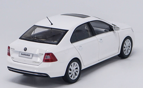 1/18 Dealer Edition 2018 SKODA RAPID SEDAN (White) Diecast Car Model