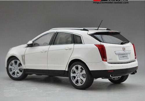 1/18 Dealer Edition Cadillac SRX (White) Diecast Car Model