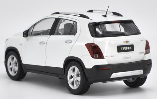 1/18 Dealer Edition Chevrolet Chevy TRAX (White) Diecast Car Model