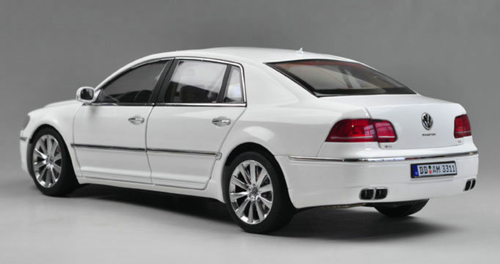 1/18 GTAutos GTA Volkswagen VW Phaeton (White) Diecast Car Model