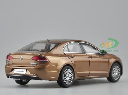 1/18 Dealer Edition 2015 Volkswagen VW Lamando (Champagne Brown) Diecast Car Model
