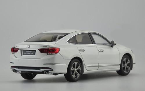 1/18 2015 Dealer Edition Honda Spirior (White)