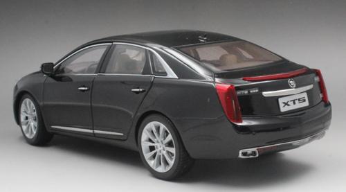 1/18 Dealer Edition Cadillac XTS (Black) Diecast Car Model