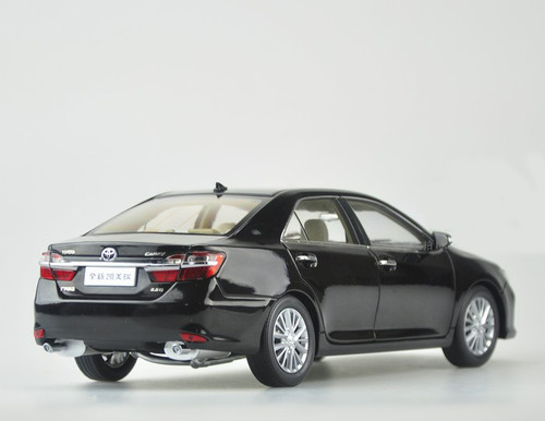 1/18 2015 Dealer Edition Toyota Camry (Black) Diecast Car Model