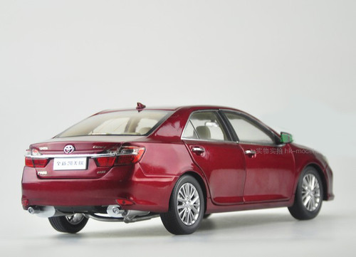 1/18 2015 Dealer Edition Toyota Camry (Red) Diecast Car Model