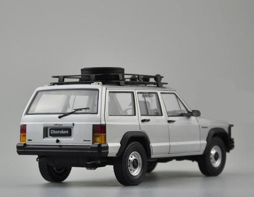 1/18 Dealer Edition Classic Jeep Cherokee (Silver) Diecast Car Model