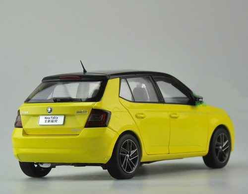 1/18 Dealer Edition Skoda Fabia (Yellow)