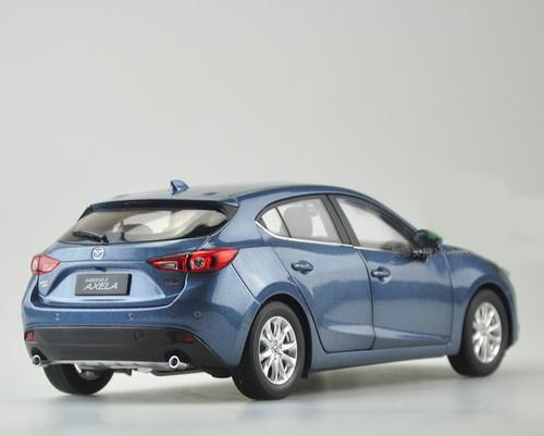 1/18 Dealer Edition Mazda 3 Axela Hatchback (Blue)
