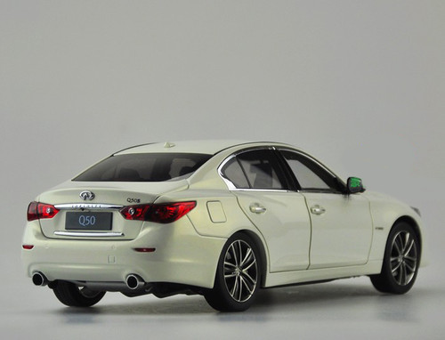 1/18 Dealer Edition Infiniti Q50 Q50S (White) Diecast Car Model