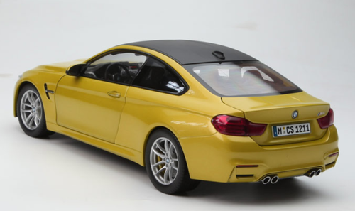 1/18 Dealer Edition BMW M4 F82 (Austin Yellow) Diecast Car Model
