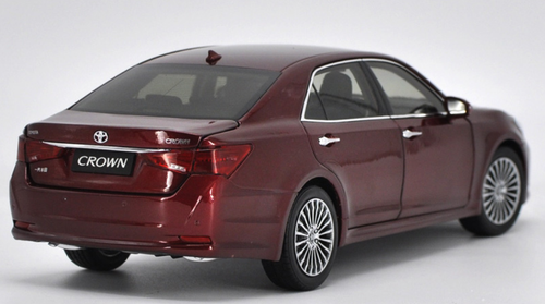 1/18 Dealer Edition Toyota Crown 14th Generation (S210 Model: 2012–2018) (Red) Diecast Car Model