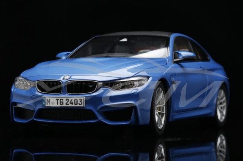 1/18 Dealer Edition BMW M4 F82 (Blue) Diecast Car Model
