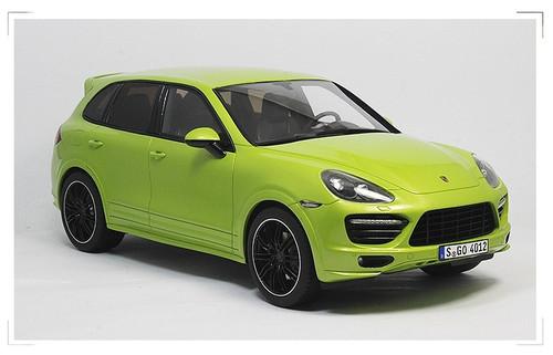 1/18 GTSpirit Porsche Cayenne Limited Edition