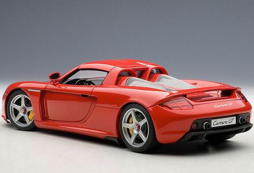 1/18 AUTOart Porsche Carrera GT (Red) Diecast Car Model 78044