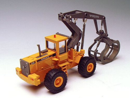 1/50 MOTORART VOLVO L180C High Lift Log Loader