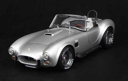 1/18 FORD MUSTANG SHELBY COBRA 427 S/C (SILVER) MODEL