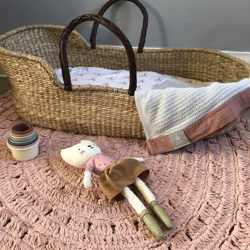 Mama Designs Seagrass Moses Basket