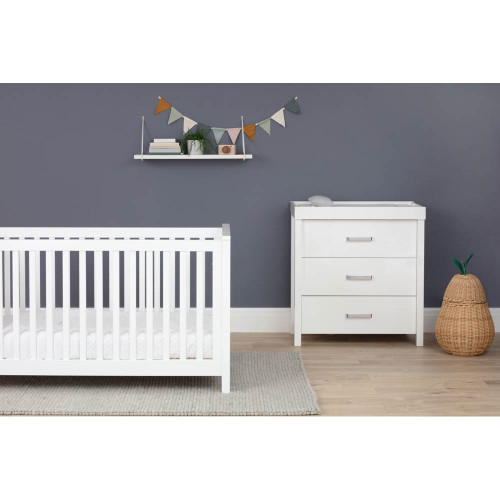 Silver Cross Primrose Hill Cot Bed & Dresser