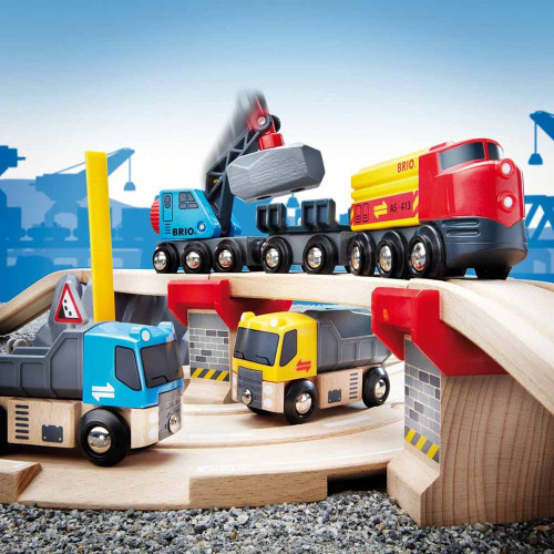 Brio Rail & Road Loading Set - lifestyle 1