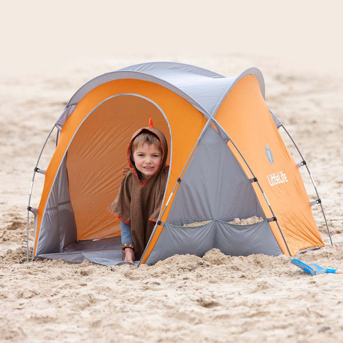 LittleLife Compact Beach Shelter (lifestyle)
