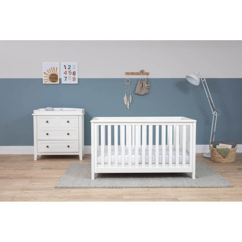 Silver Cross Nostalgia Cot Bed & Dresser - White