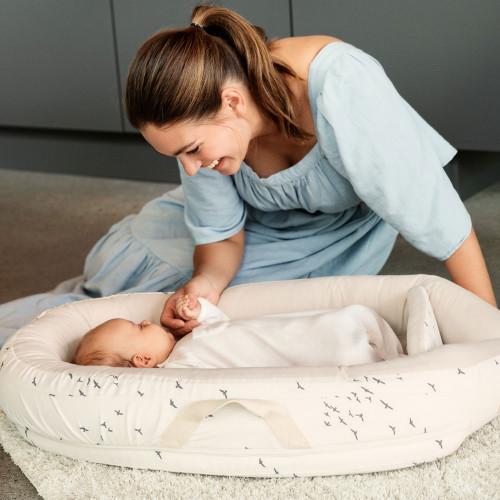 Voksi Baby Nest Premium - White Flying