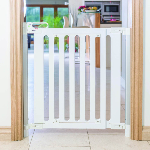Fred Screw Fit Wooden Stairgate - White Wood/Pure White (lifestyle)