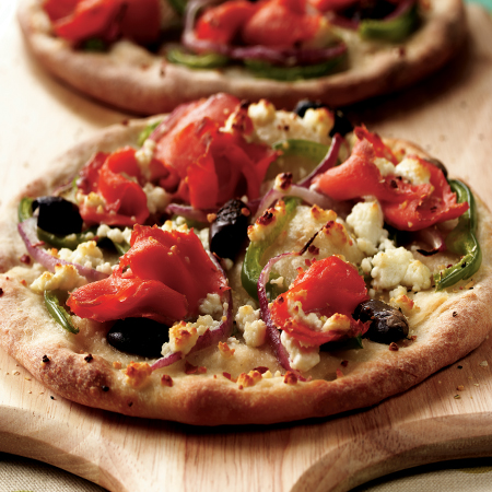 Mini pizzas with smoked Sockeye salmon & toppings