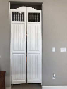 Commercial Grade Gravity Hinges- When and How to use these saloon door hinges?