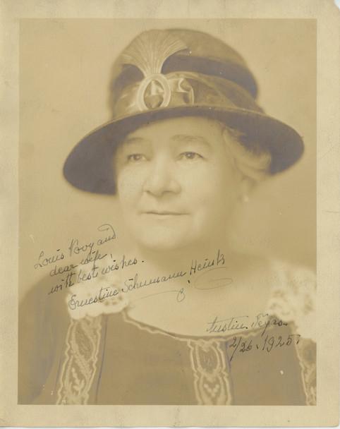 ERNESTINE SCHUMANN-HEINK (1925) 28482  OPERATIC CONTRALTO (1861-1936) Gelatin Silver Print (8x10) Signed by Ernestine Schumann-Heink  Dated 1925