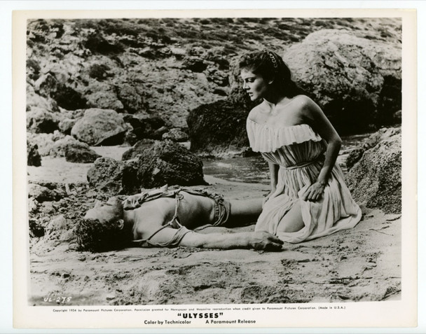 ULYSSES (1954) 22531  GELATIN SILVER PRINT   KIRK DOUGLAS   ROSSANA PODESTA Paramount Pictures Studio Issued Gelatin Silver Print (8x10) Very Fine Condition