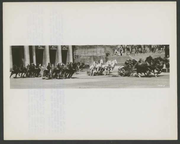 BEN-HUR (1959) 28594   CHARIOT RACE PHOTOGRAPH   MGM Studio Photograph (8x10)  Very Good Condition  Chariot Race   First Release PHOTOGRAPH