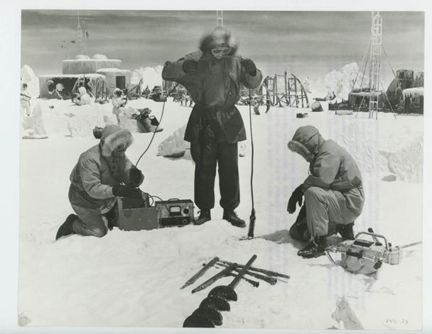 ICE STATION ZEBRA (1969) 28531  GELATIN SILVER PRINT MGM Original Gelatin Silver Print  8x10