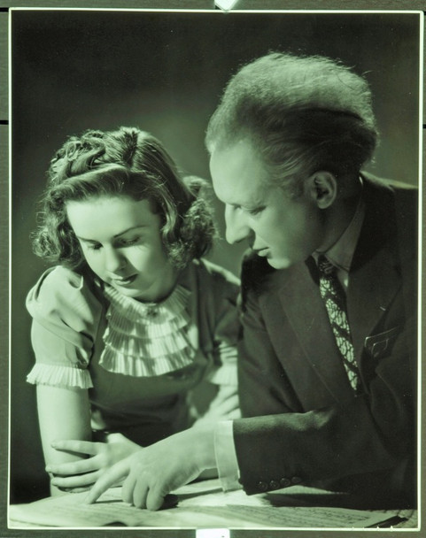 ONE HUNDRED MEN AND A GIRL  (1937) 19936 DEANNA DURBIN AND LEOPOLD STOKOWSKI  11x14 Photograph  Very Fine
