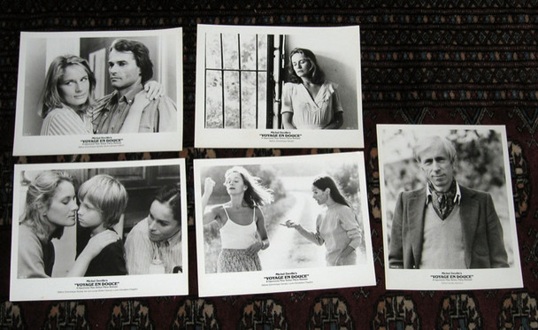 VOYAGE EN DOUCE, LE (1980) 19326 Gaumount Original Gelatin Silver Photographs (8x10)  Very Fine