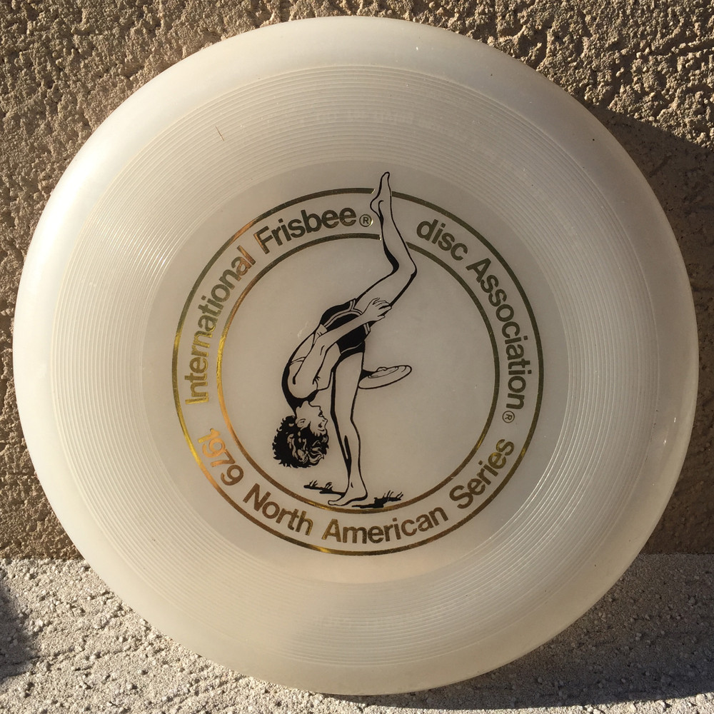 WHAM-O FRISBEE IFA CAHOW 119G  - CLEAR W/BLACK 2 - VERY GOOD CONDITION