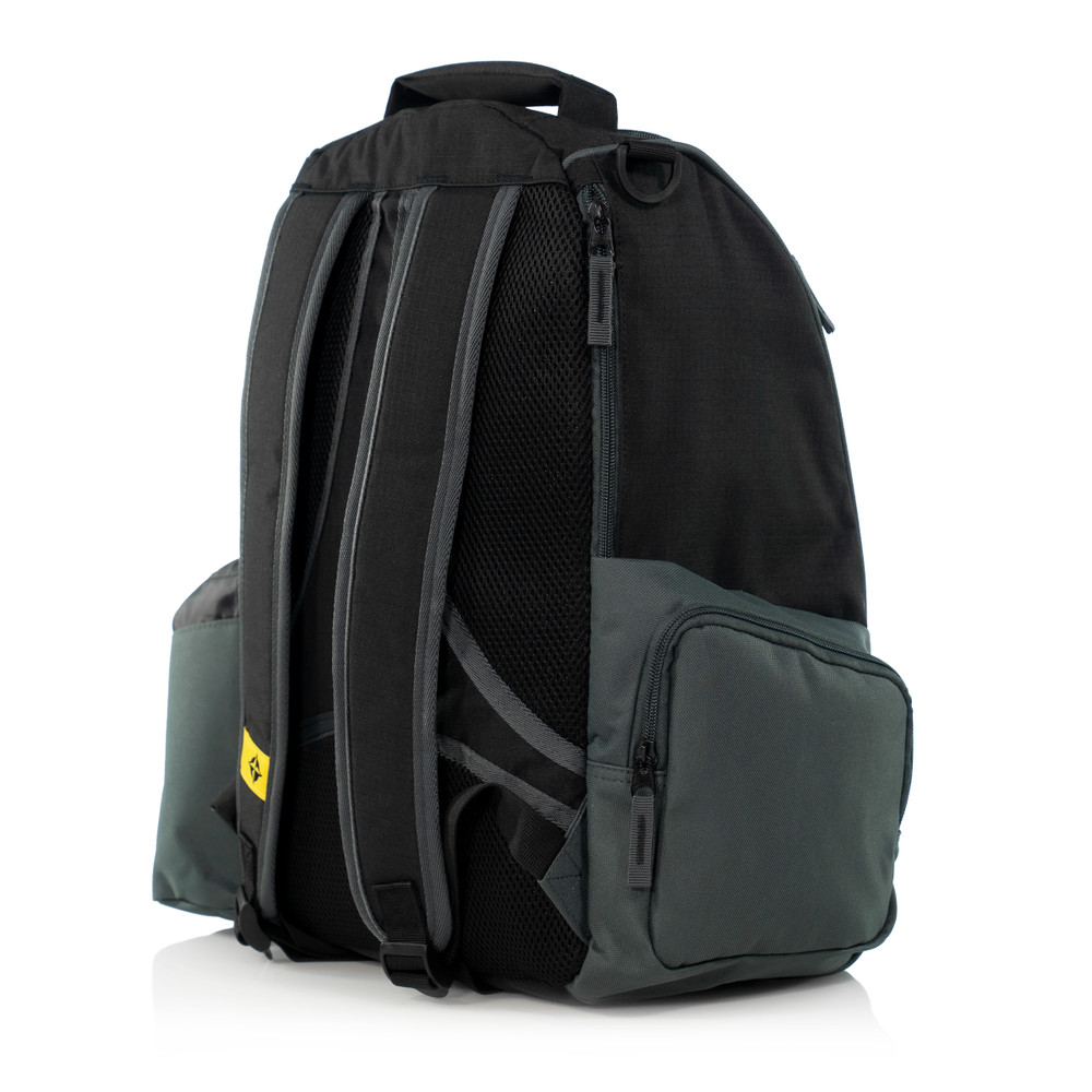 Innova ADVENTURE BAG. Shows a black and gray bag pointing to the viewer's right and away.