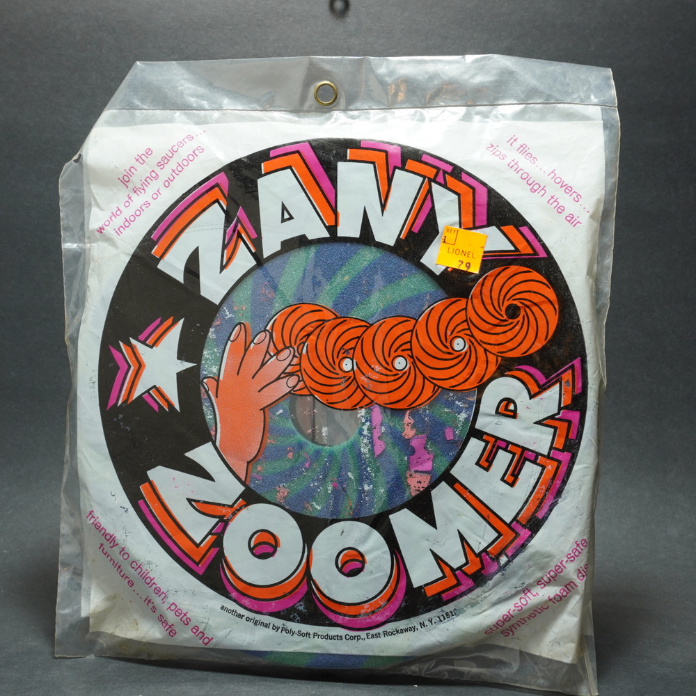 Zany Zoomer Flying Saucer - Foam Flyer Packaged