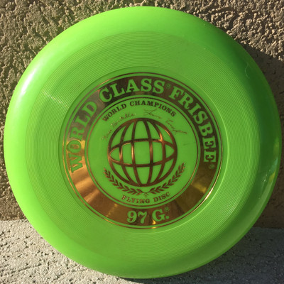WHAM-O FRISBEE WORLD CLASS KRAE & LAURA 97G  - GREEN - VERY GOOD CONDITION