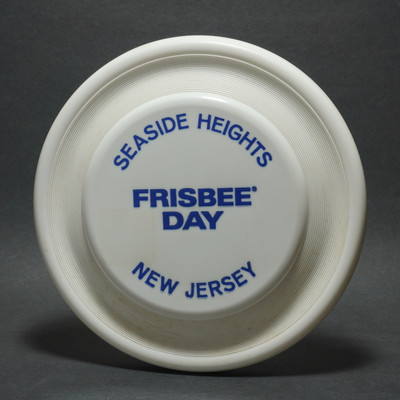 Wham-O Fastbacks - Frisbee Day - FB 2