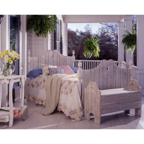 Pine Storage Bench in the Nantucket Collection from Uwharrie Chair Company In White Wash
