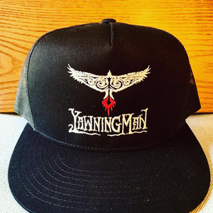 YAWNING MAN EMBROIDERD TRUCKER HAT